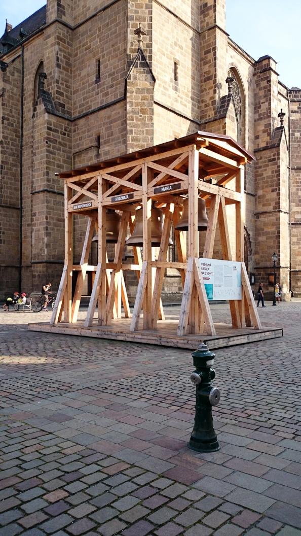 Plzeň se ujala zvonů z Montgomery, kde se k nim nechovali vůbec hezky, dokonce je snad i bili.